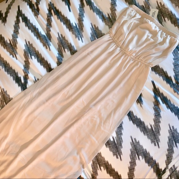 Forever 21 Dresses & Skirts - Strapless champagne colored maxi dress - NWT